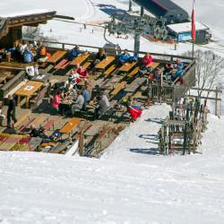 boeglalm-winter-terrasse